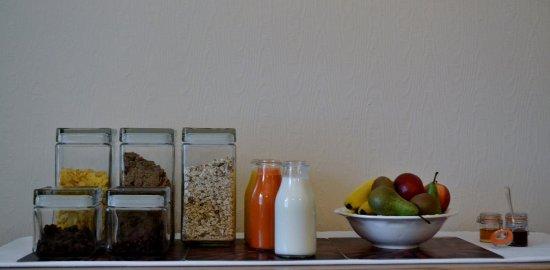 Queensberry House: Breakfast bar