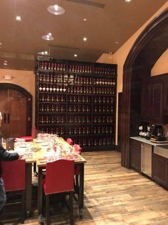 Loretto, KY: VIP tasting room