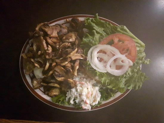 Boston Bar, Canadá: mushroom burger, very generous with all the mushrooms, bland otherwise