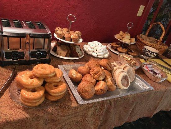 Ashford, WA: 2nd breakfast, no steam table, no protien