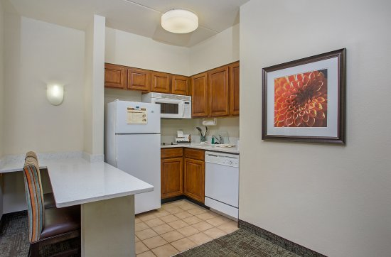 Staybridge Suites Chattanooga Downtown: Guest Suite Kitchen