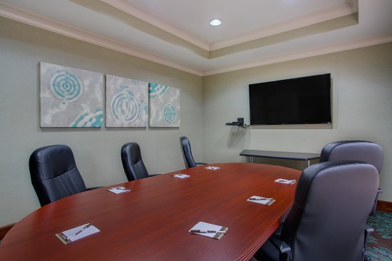 Staybridge Suites Chattanooga Downtown: On-site Conference Room