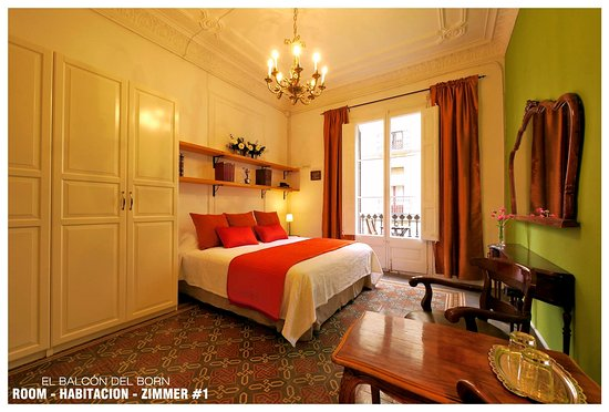 El Balcon del Born: Room #1: King Size Bed  or Twin Beds + Balcony and Shared Bathroom = 110€ per night. 1 or 2 pers