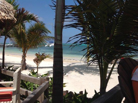 Ramon's Village Resort: Ramon's beach