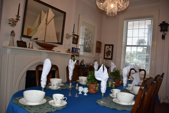 Pictou, Canada: dinning room set for breakfast