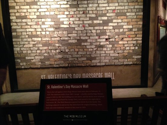 Wall From St Valentine S Day Massacre Fotografia De The Mob Museum