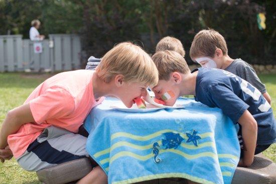 Winnetu Oceanside Resort: Watermelon eating contest during our Children's Day Program.