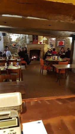 Meulan, France: Restaurant Pizzeria Carlina