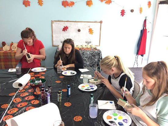 Bigfork, MT: Kids Halloween Lanterns Class