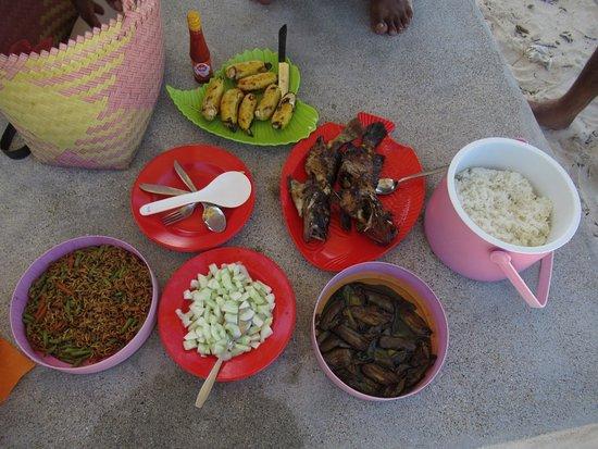 Cibal, Indonesia: Diner en snorkeling