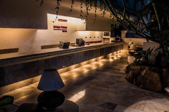 Ixtapa Palace Resort & Spa: Recepción