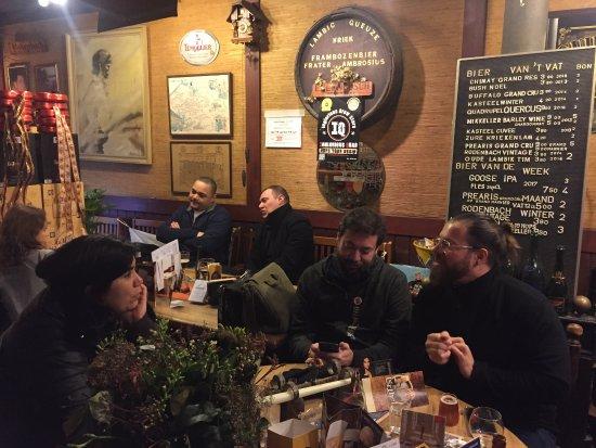 Kulminator: interior do bar