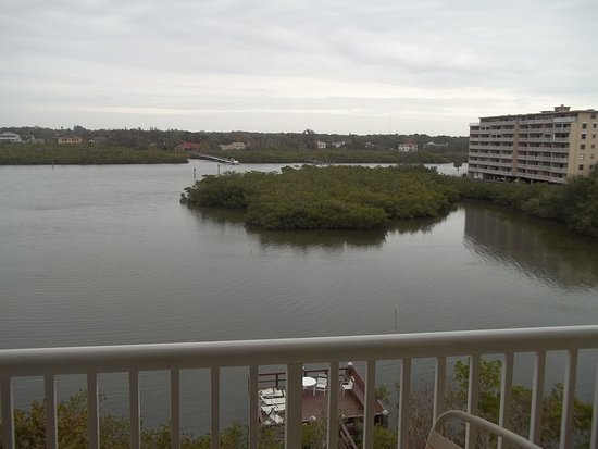 Bay & Beach Club: View from 4th floor Balcony on intercoastal side