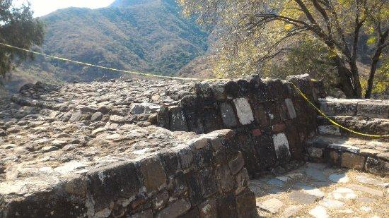 Zona Arqueológica de Malinalco: piramides