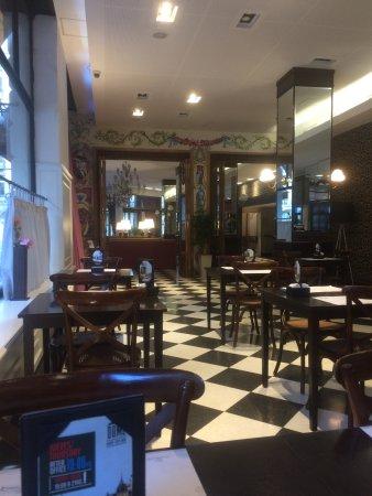 Tango de Mayo Hotel: Espaço de restaurante e café da manhã