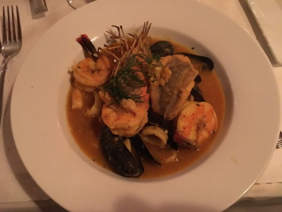 Pescadou Bistro: Pescadou Bouillabaisse: great seafood, broth, and rouille