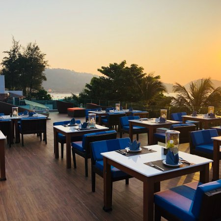 The Surface Bar And Restaurant Patong