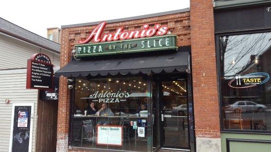 Amherst, Μασαχουσέτη: Restaurant Frontage