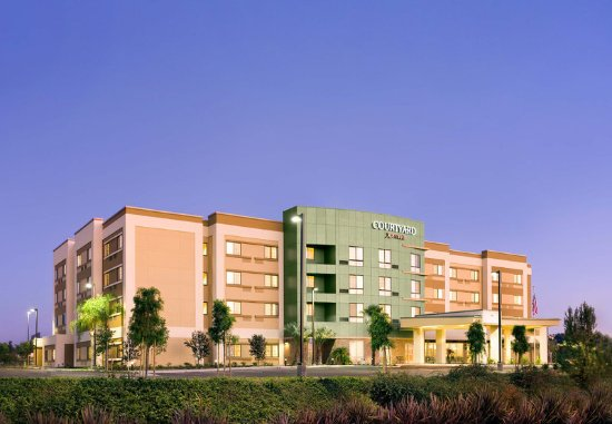 Courtyard San Diego Oceanside: Exterior