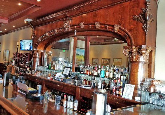 Orland, Kalifornia: The Bar at the Farwood - Historic!