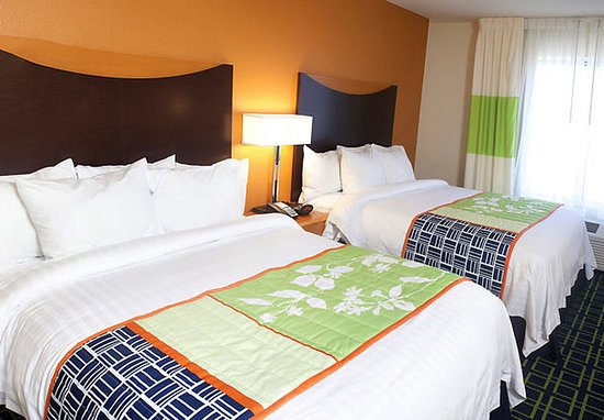 Fairfield Inn & Suites Paducah: Guest room
