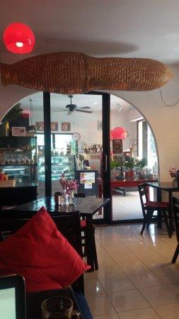 Delish Cafe: Vue de l'intérieur