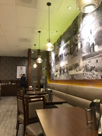 Milpitas, CA: Seating and Decor