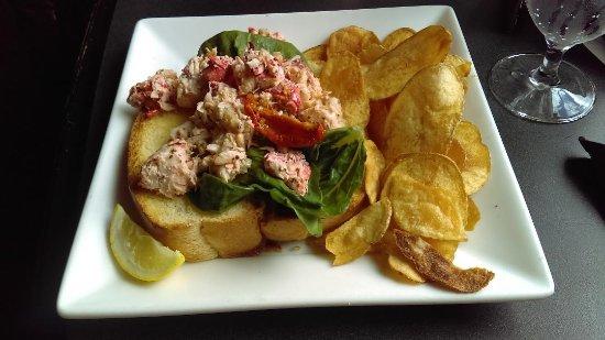 Frontier Tavern : Lobster Roll