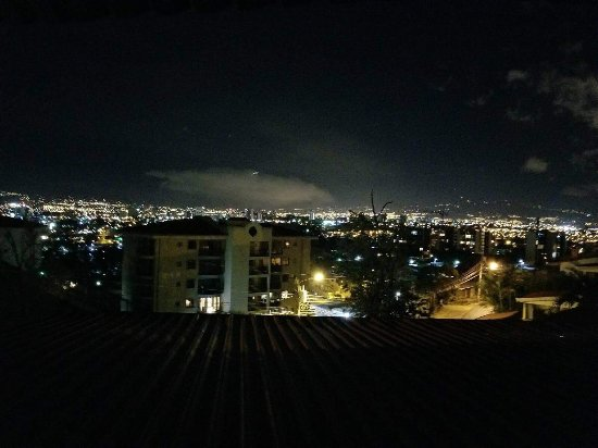 Aparthotel Casa Reflejos: Amazing San Jose city view from our window!