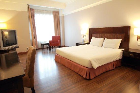 Single room with private balcony at near utar bandar sungai long