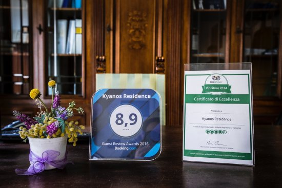 Kyanos Residence: certificazioni, reception