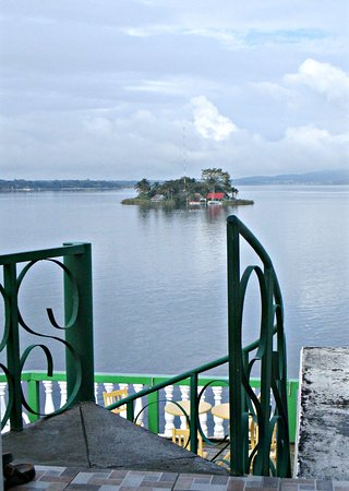 Hotel Casa Amelia: The view of the lake and one of its islands from my room.