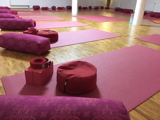 Halle, Alemania: Großer Yogasaal