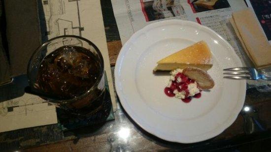 FAbULOUS: チーズケーキとアイスティー