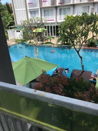Ibis Styles Bali Benoa : Бассейн из окна номера на 2 этаже