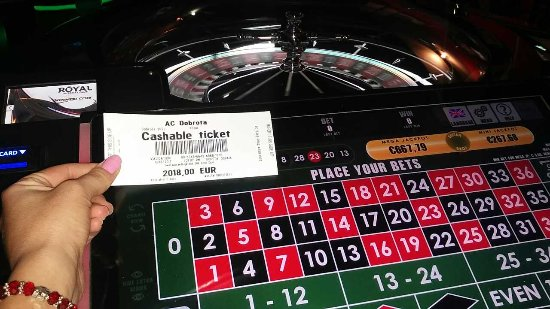 Котор, Черногория: With a win on roulette, you also have the chance to win the* Mega* Mini jackpots!