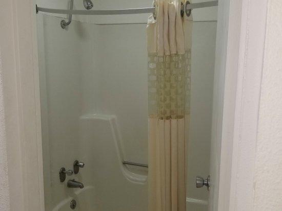 Marion, AR: Guest Bathroom