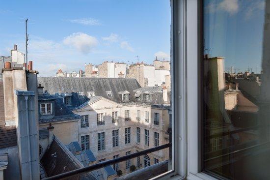 suite picture of hotel pas de calais paris tripadvisor. Black Bedroom Furniture Sets. Home Design Ideas