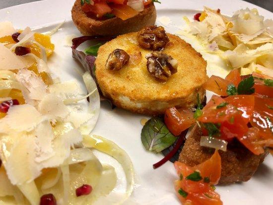 antipasto vorschlag gebackener ziegenk se mit honig orangen fenchel salat und bruschetta. Black Bedroom Furniture Sets. Home Design Ideas