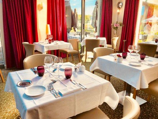 Les Terrasses du Relais: salle restaurant