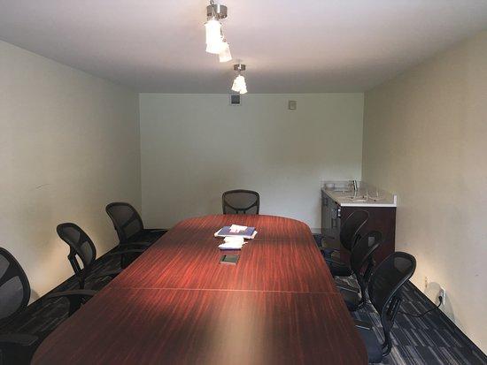 Oxford, NC: Meeting Room