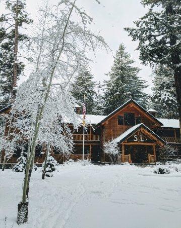 Sisters, OR: Beautiful views and lake vibes