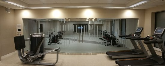 ‪‪Delta Hotels by Marriott Dartmouth‬: Second area: treadmills, stair climber, elliptical, bikes, free weights‬