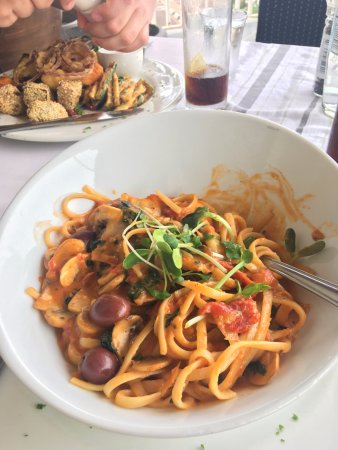 Olive & Oil: Primevera Tagliatelle (V) & Mediterranean Veg Mezze (V)