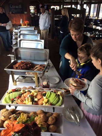 Bourne, MA: Sunday brunch buffet