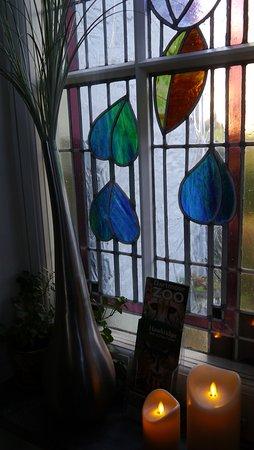 Dittisham, UK: Staircase Window