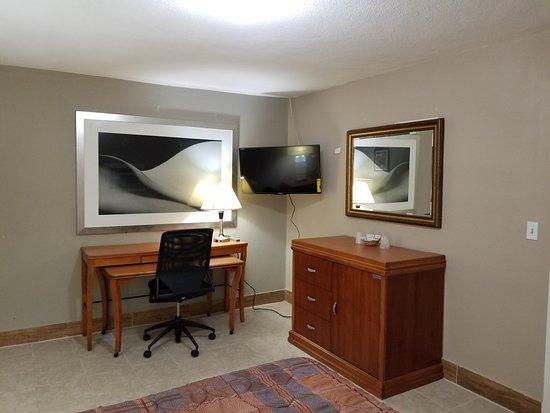 Bay City, تكساس: Premium Queen, Microfridge, Smart TV 