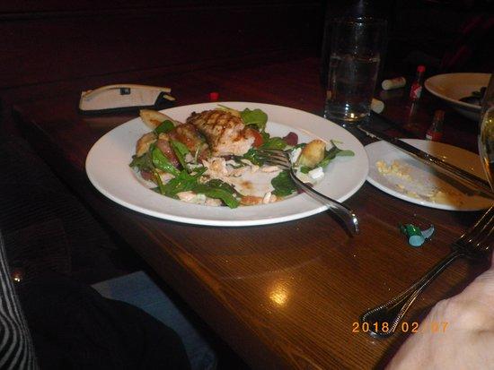Creve Coeur, MO: Salad with Salmon