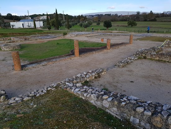 Torres Novas, Portugal: ruínas