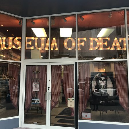 photo0.jpg - Picture of Museum of Death 0c4402cc1ef